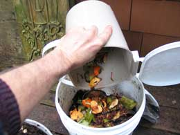 food scrap empty pail